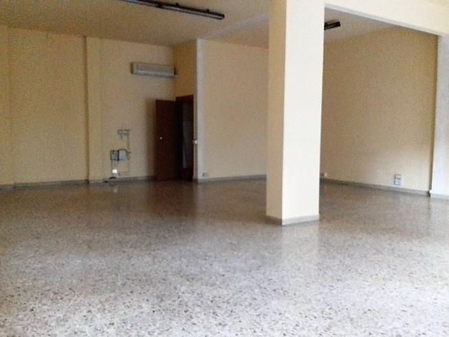 Attività commerciale in buone condizioni in affitto Rif. 9943013