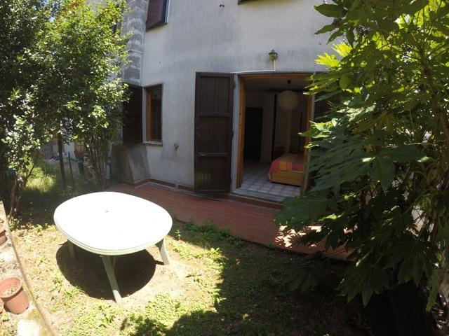 Appartamento in buone condizioni in vendita Rif. 8293766