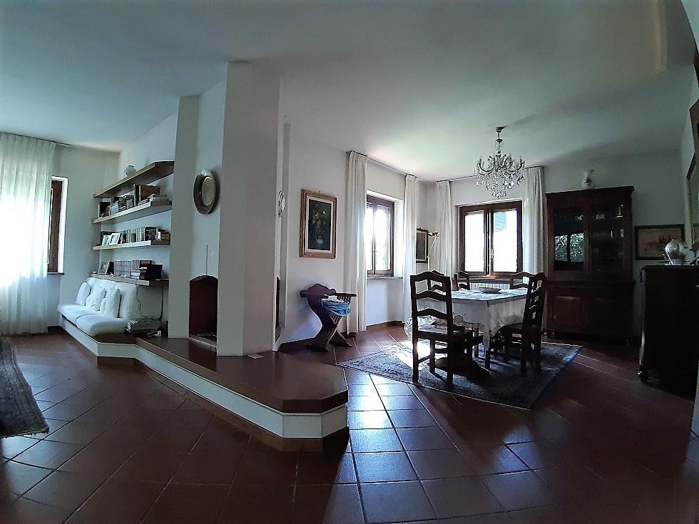 Villa in ottime condizioni in vendita Rif. 11195957