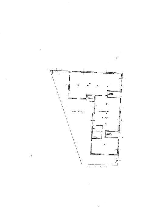 Terreno Commerciale in discrete condizioni in vendita Rif. 9355188