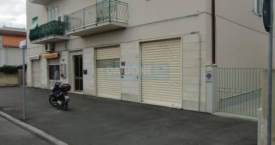 Negozio / Locale in vendita a Livorno, 1 locali, zona Località: ARDENZA, prezzo € 93.000 | Cambio Casa.it