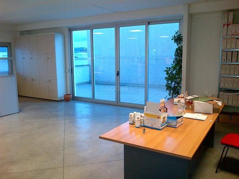 Ufficio / Studio in vendita a Livorno, 3 locali, zona Località: PERIFERIA NORD, prezzo € 330.000 | Cambio Casa.it