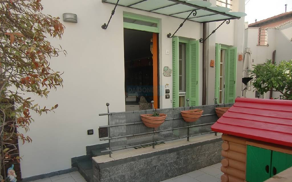 Soluzione Indipendente in vendita a Livorno, 4 locali, zona Località: GENERICA, prezzo € 279.000 | Cambio Casa.it