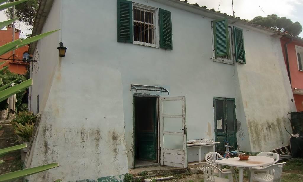 Rustico / Casale in vendita a Livorno, 9 locali, zona Località: MONTENERO, prezzo € 260.000 | Cambio Casa.it