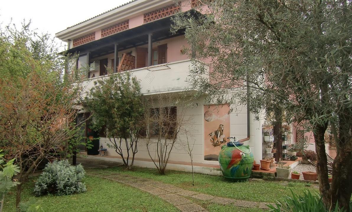 vendita appartamento livorno periferia sud Via Grotta delle Fate 410000 euro  6 locali  140 mq