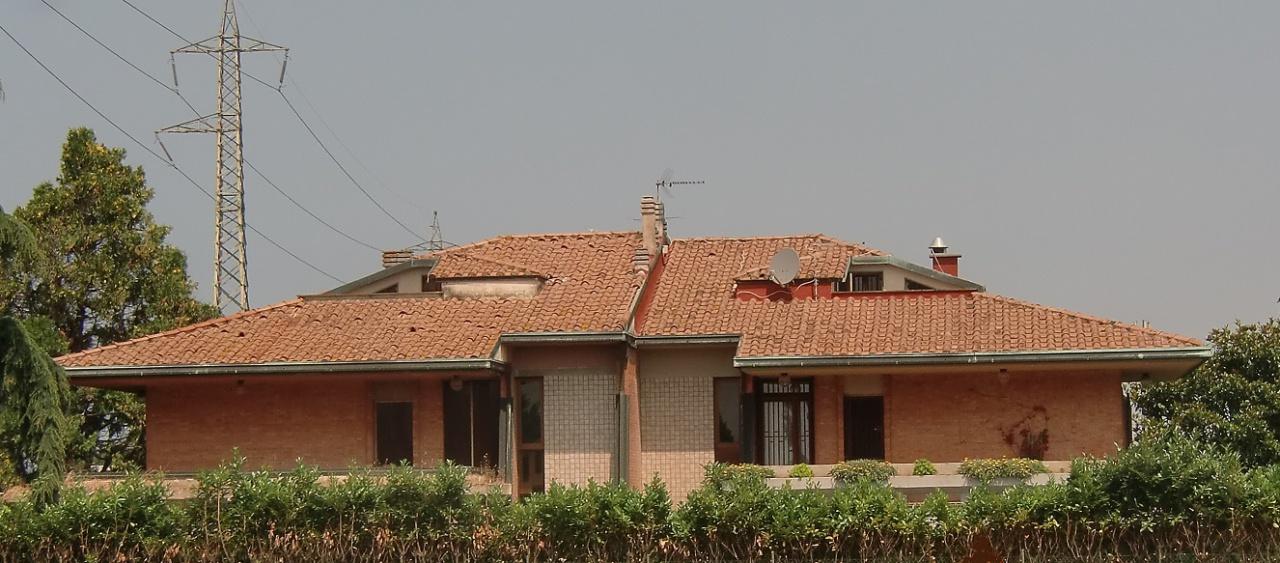 Villetta a schiera in discrete condizioni in vendita Rif. 7341889