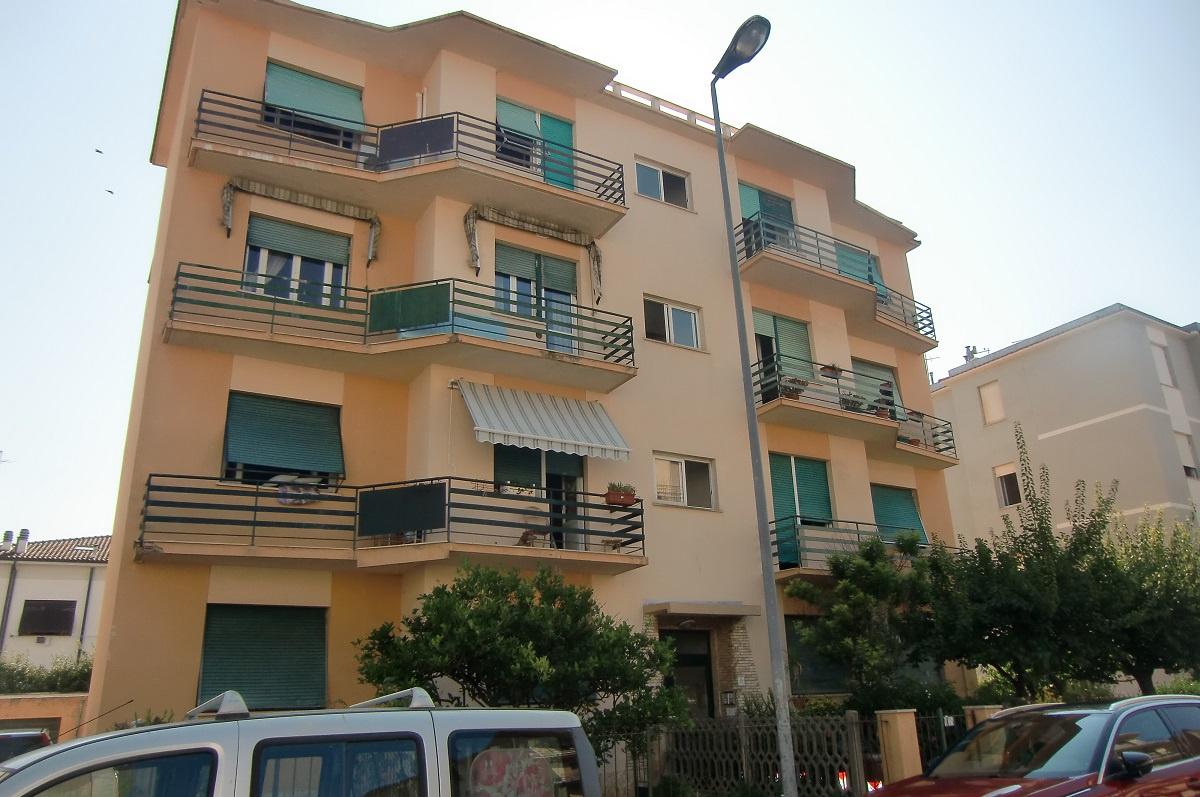 vendita appartamento livorno periferia sud Via Lusena 180000 euro  4 locali  93 mq