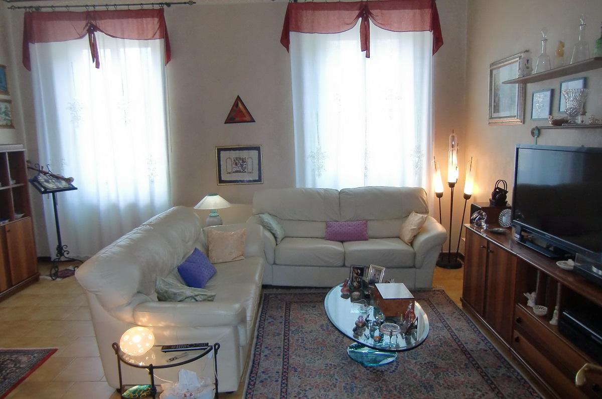 Appartamento da ristrutturare in vendita Rif. 10747357