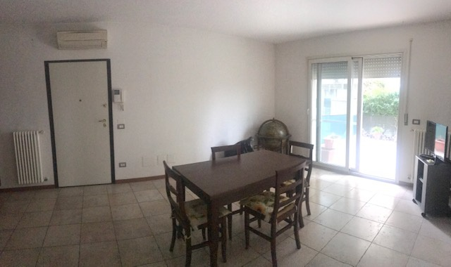 Appartamento in vendita a Riccione, 3 locali, prezzo € 200.000 | PortaleAgenzieImmobiliari.it