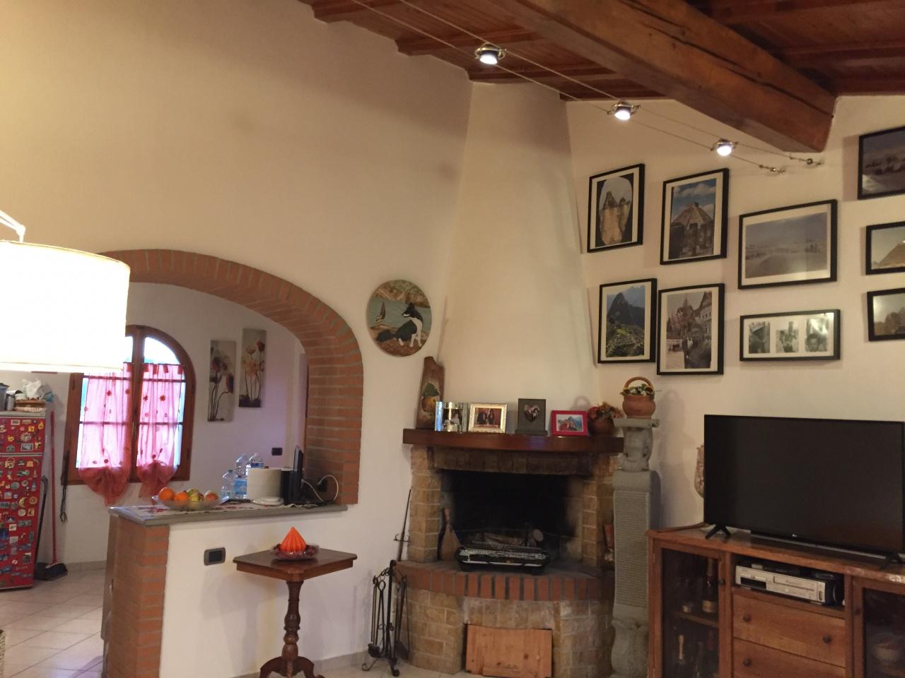 Appartamento in ottime condizioni in vendita Rif. 9265208