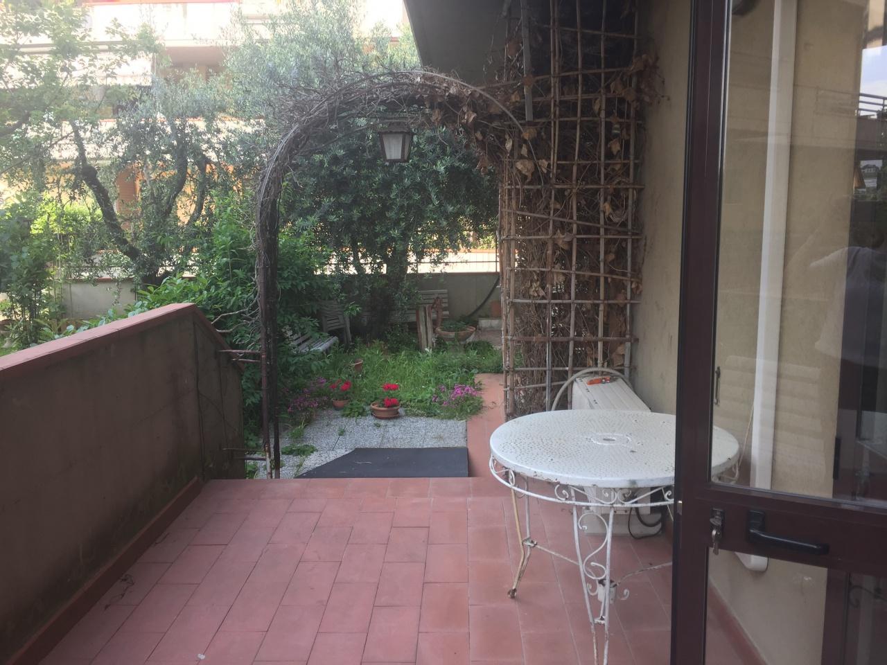 Appartamento in buone condizioni in vendita Rif. 10337950