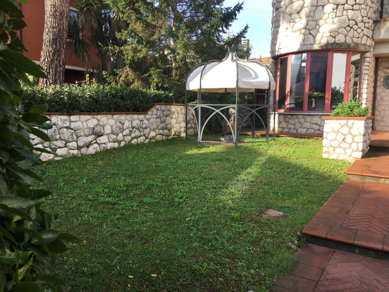 Villa in ottime condizioni in vendita Rif. 11575610