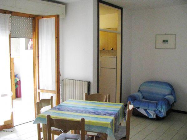 Appartamento in affitto a Grosseto, 4 locali, zona Località: MARINA DI GROSSETO, prezzo € 1.000 | Cambiocasa.it