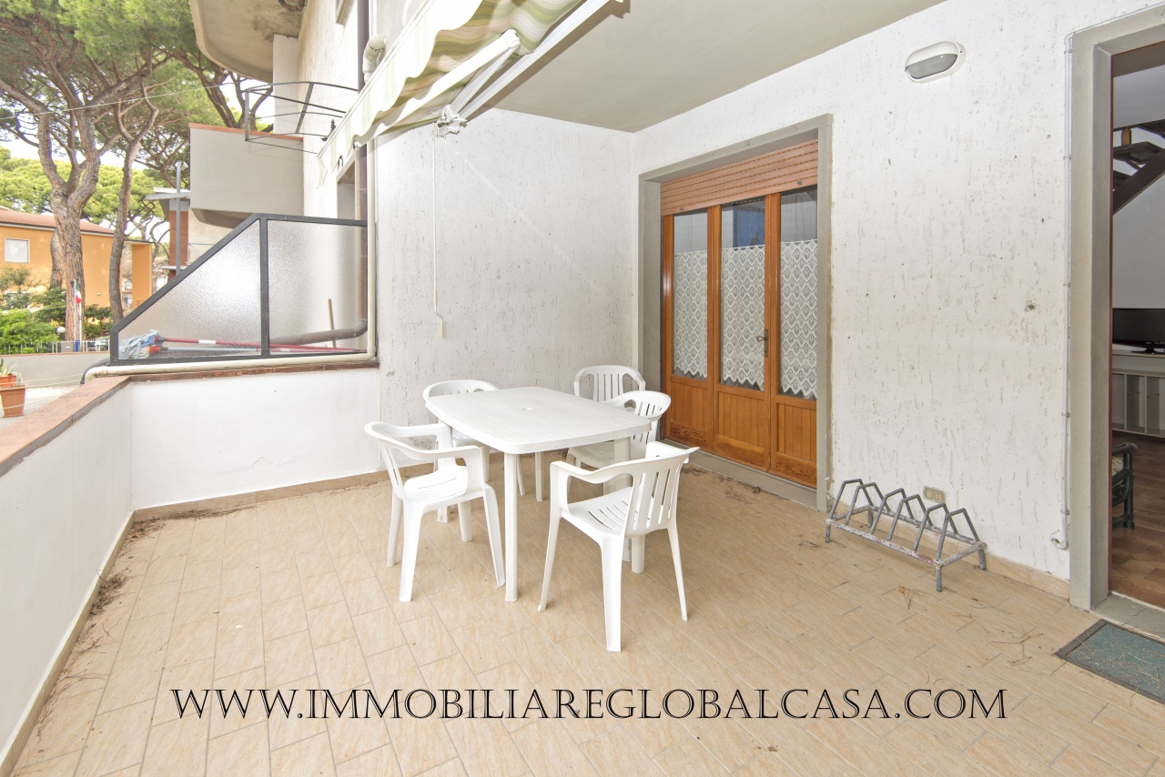 Appartamento in discrete condizioni in vendita Rif. 9978847