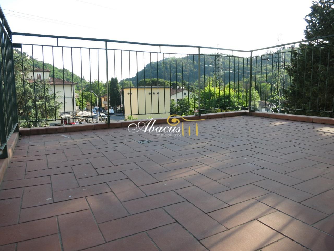 Appartamento da ristrutturare arredato in vendita Rif. 10497853