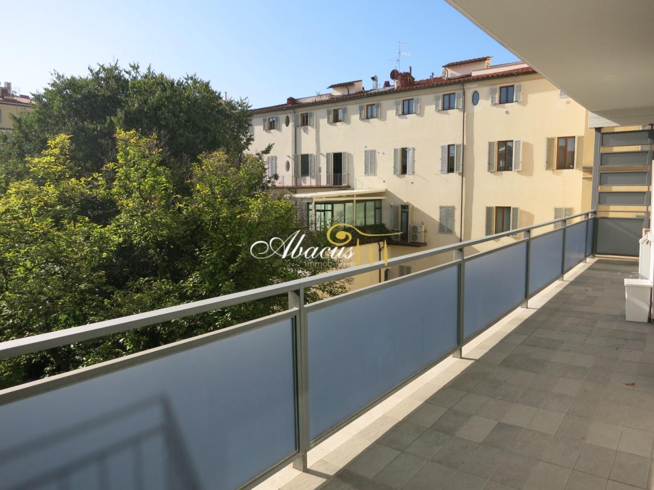 Appartamento in ottime condizioni arredato in affitto Rif. 11305225