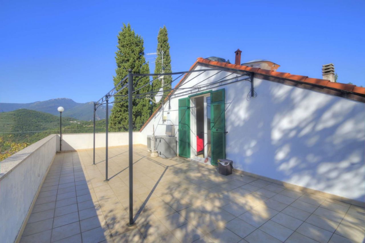 Attico / Mansarda in affitto a Finale Ligure, 4 locali, prezzo € 600 | PortaleAgenzieImmobiliari.it