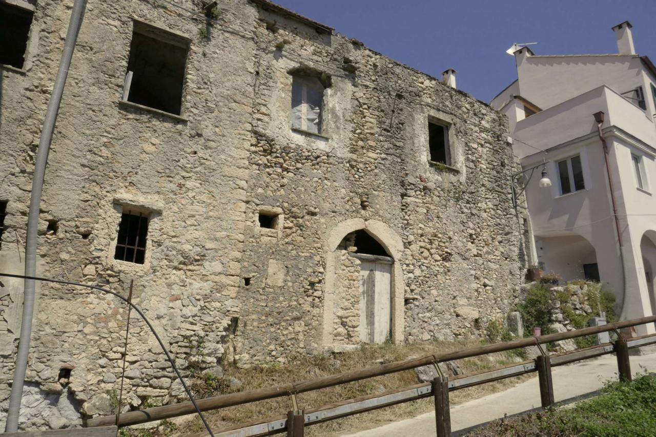 Appartamento in vendita a Orco Feglino, 3 locali, prezzo € 50.000   PortaleAgenzieImmobiliari.it