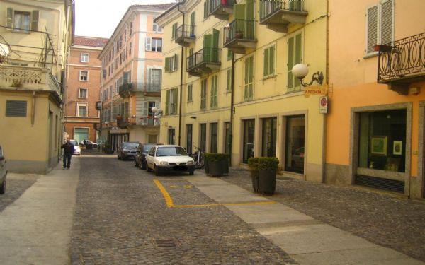 Bilocale Asti Via Garetti 5