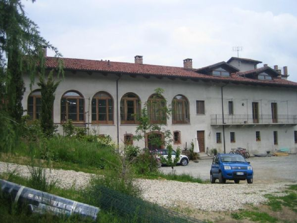 Agriturismo in vendita a Manta, 30 locali, Trattative riservate | PortaleAgenzieImmobiliari.it
