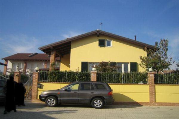 Villa in vendita a Asti, 6 locali, prezzo € 575.000 | PortaleAgenzieImmobiliari.it
