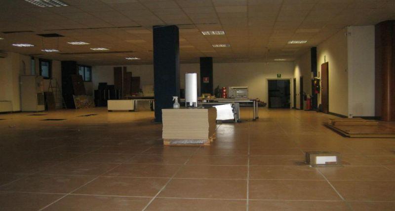Capannone in affitto a Avigliana, 2 locali, prezzo € 1.900 | PortaleAgenzieImmobiliari.it