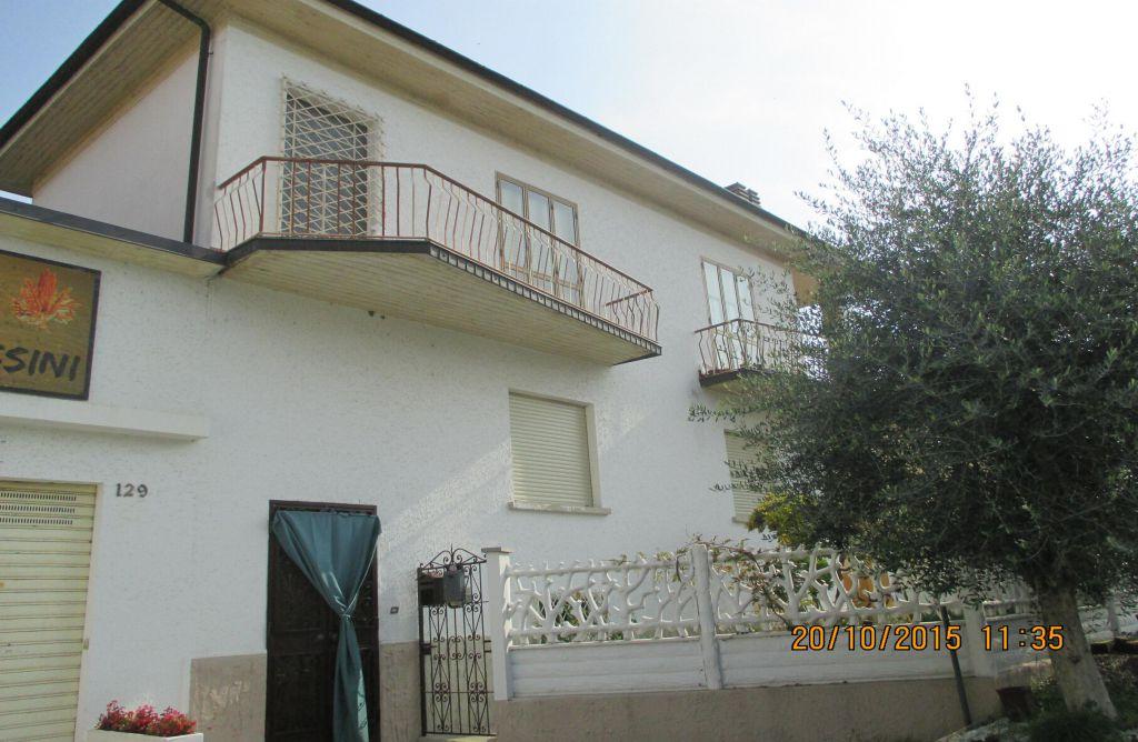Soluzione Indipendente in vendita a Val della Torre, 8 locali, prezzo € 130.000 | PortaleAgenzieImmobiliari.it