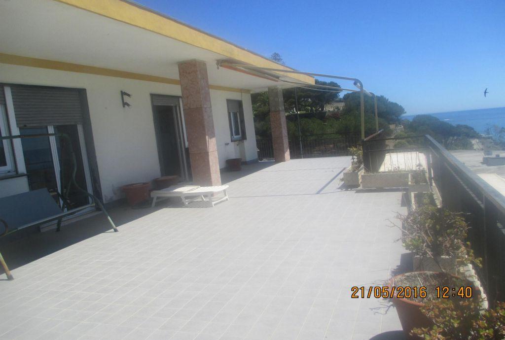 Attico / Mansarda in buone condizioni in vendita Rif. 9956124