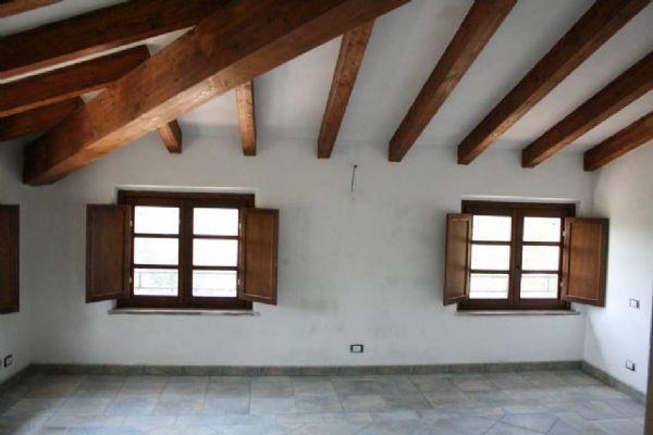 Attico / Mansarda in vendita a Sarzana, 3 locali, zona Località: PRIMISSIMA PERIFERIA, prezzo € 190.000 | Cambio Casa.it