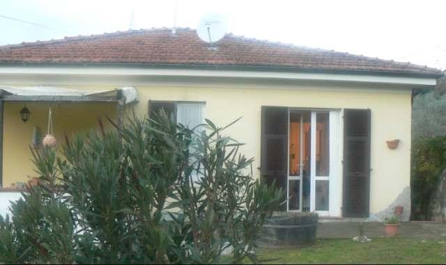 Soluzione Indipendente in vendita a Vezzano Ligure, 6 locali, zona Zona: Prati, prezzo € 260.000 | Cambio Casa.it