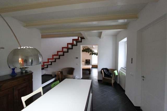Villa in vendita a Ortonovo, 5 locali, zona Zona: Casano, prezzo € 420.000   Cambio Casa.it