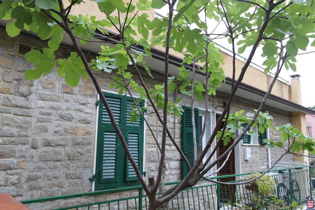 Soluzione Indipendente in vendita a Lerici, 3 locali, zona Località: (ZONA GENERICA), prezzo € 560.000 | CambioCasa.it
