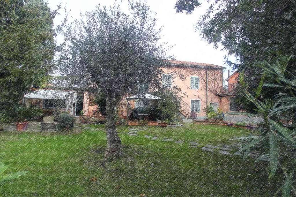 Rustico / Casale in vendita a Ortonovo, 6 locali, zona Zona: Luni Scavi, prezzo € 530.000 | CambioCasa.it