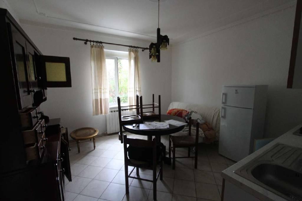 Soluzione Semindipendente in vendita a Castelnuovo Magra, 5 locali, zona Località: MOLINO DEL PIANO, prezzo € 260.000 | Cambio Casa.it