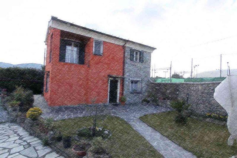 Villa in vendita a Sarzana, 4 locali, zona Località: sarzana, Trattative riservate | Cambio Casa.it