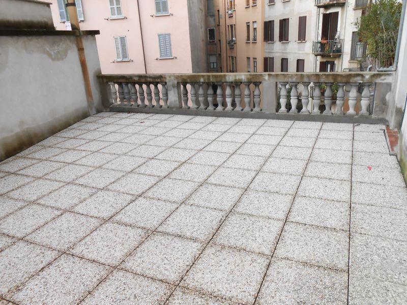 Bilocale Milano Piazza Grandi 5