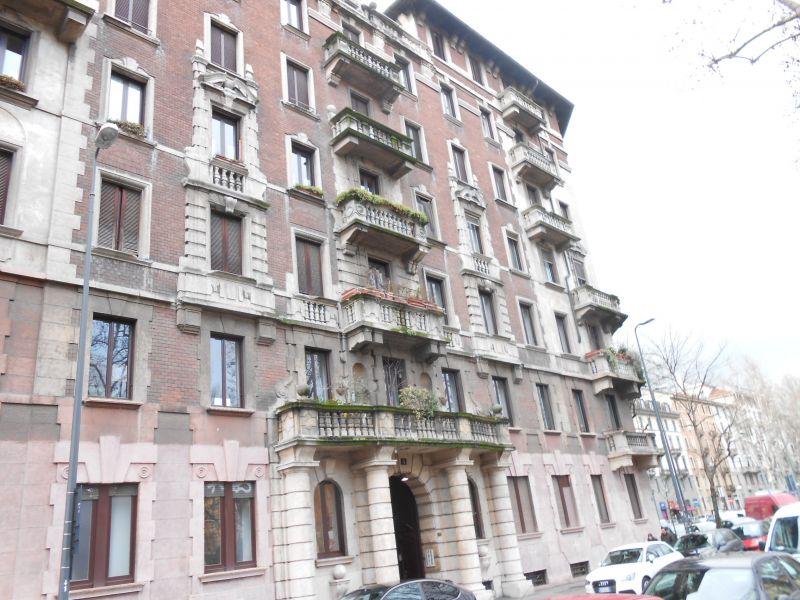 Bilocale Milano Piazza Grandi 12