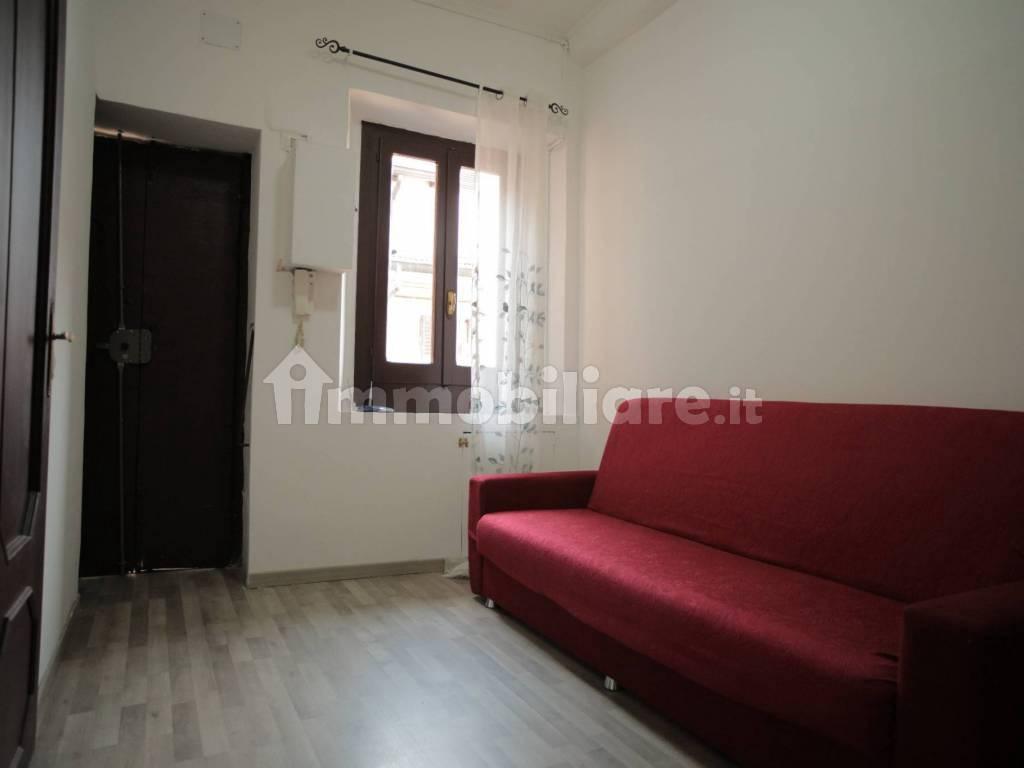 Appartamento in buone condizioni arredato in vendita Rif. 12355521
