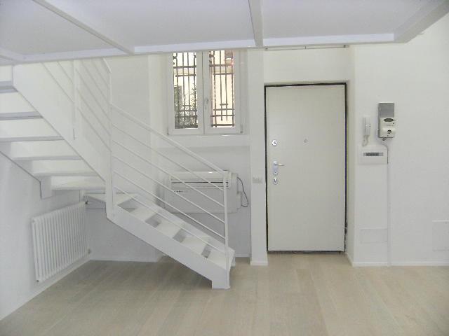 Appartamento in ottime condizioni in vendita Rif. 12355526