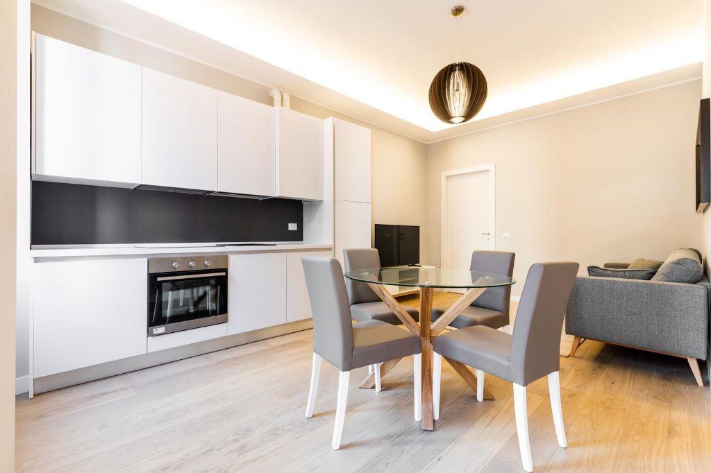 Appartamento ristrutturato arredato in vendita Rif. 12355512