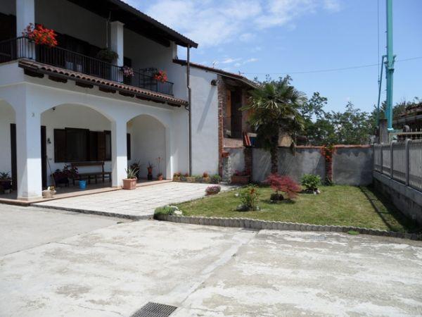 Soluzione Indipendente in vendita a Mazzè, 25 locali, zona Località: CASALE DI MAZZE', prezzo € 239.000   Cambio Casa.it