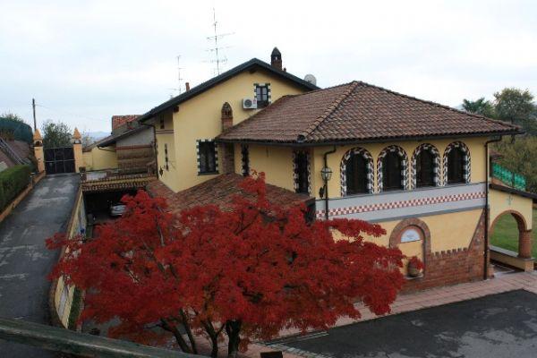 Soluzione Indipendente in vendita a Cavagnolo, 12 locali, prezzo € 1.250.000 | CambioCasa.it
