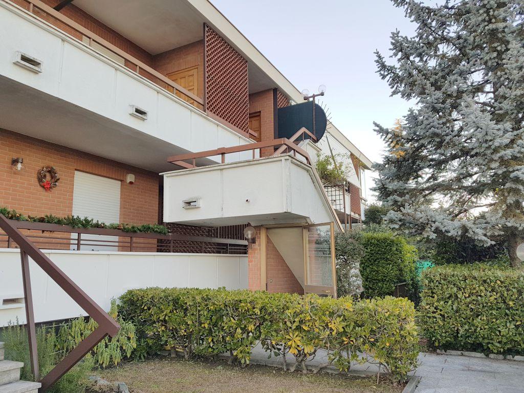 Appartamento in vendita a Gassino Torinese, 8 locali, prezzo € 179.000   Cambio Casa.it