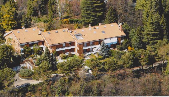 Appartamento in vendita a Gassino Torinese, 8 locali, prezzo € 185.000 | Cambio Casa.it