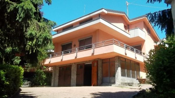 Soluzione Indipendente in vendita a San Raffaele Cimena, 12 locali, prezzo € 500.000 | CambioCasa.it