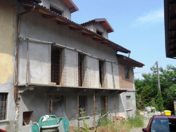 Soluzione Indipendente in vendita a Casalborgone, 20 locali, prezzo € 120.000 | CambioCasa.it