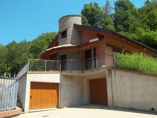 Soluzione Indipendente in vendita a Castiglione Torinese, 8 locali, prezzo € 450.000 | Cambio Casa.it