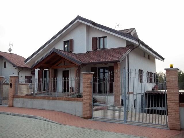 Soluzione Indipendente in vendita a Montanaro, 8 locali, prezzo € 490.000 | Cambio Casa.it