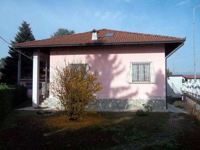 Soluzione Indipendente in vendita a Montanaro, 5 locali, prezzo € 190.000 | Cambio Casa.it