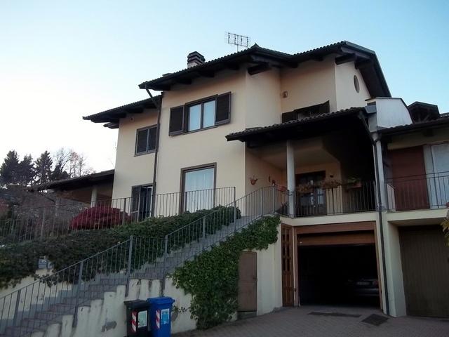 Soluzione Indipendente in vendita a Castagneto Po, 9 locali, prezzo € 295.000 | Cambio Casa.it